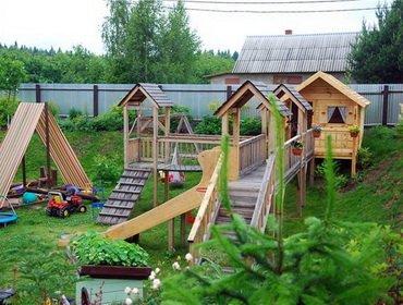 Как сделать детскую площадку на даче?