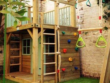 Строим своими руками детский игровой домик для дачи