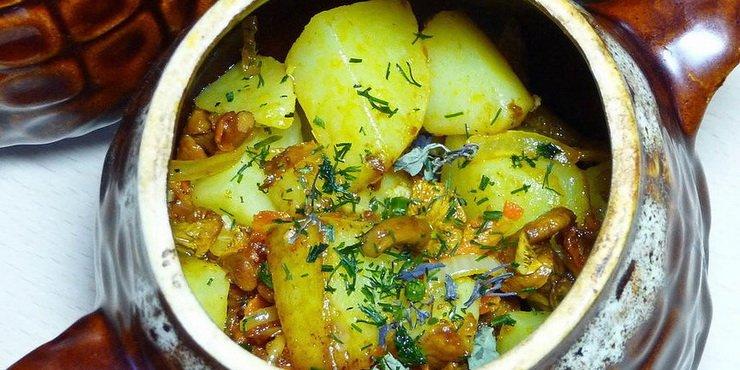 Грибы в горшочке с картошкой