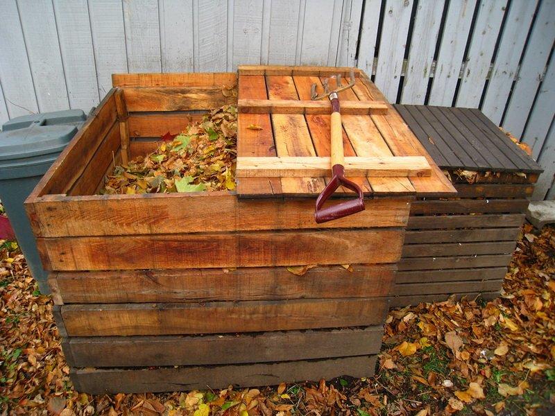 Ящик под компост и другие ёмкости на даче