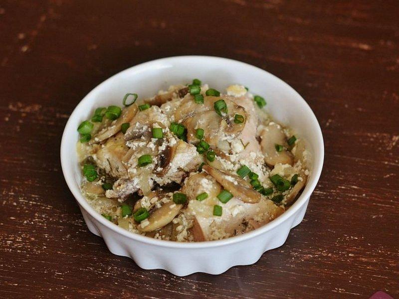 Рецепт свинины с грибами в горшочке в духовке