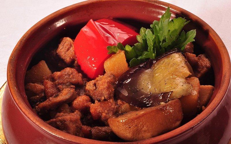 Рецепты блюд из говядины в горшочках