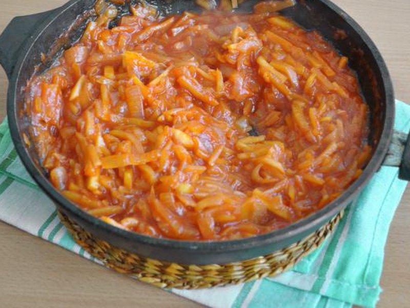 Вторые блюда в горшочках в духовке: рецепты с фото