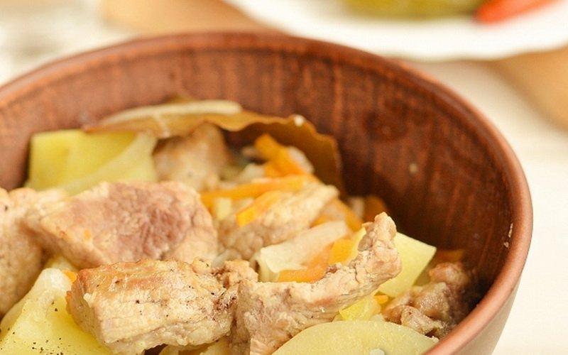 Блюдо в горшочках с мясом: рагу из телятины