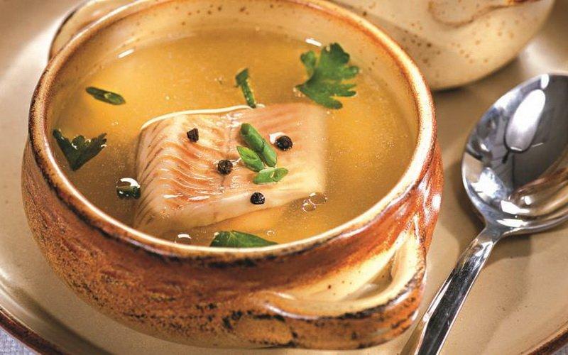 Супы с рыбой и креветками в горшочках