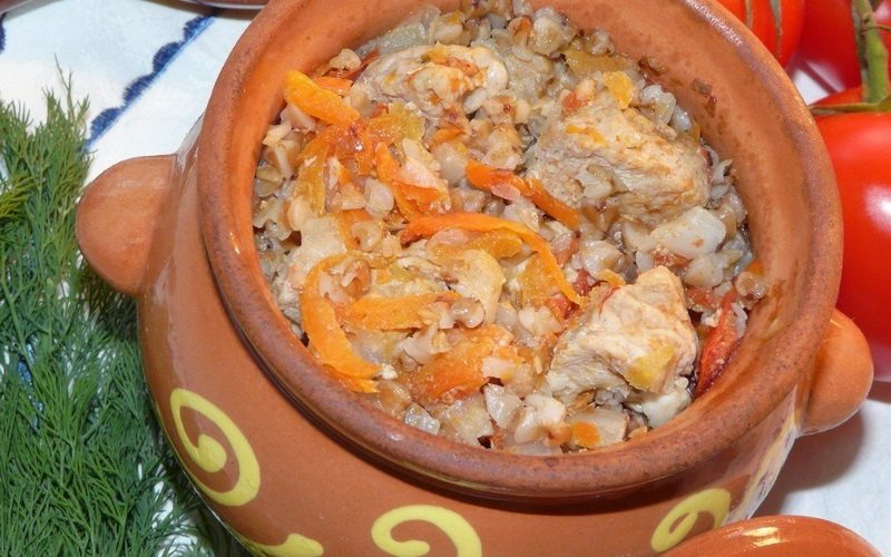 Жаркое из свинины в горшочках: рецепты для духовки