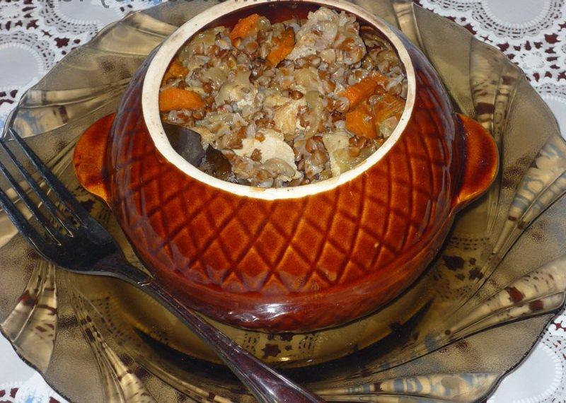 Рыба с гречкой в горшочке: рецепт для духовки