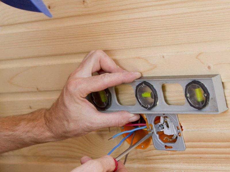 Монтаж электропроводки в летней кухне