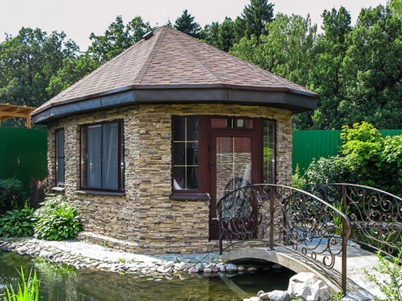 Каменный домик гриль