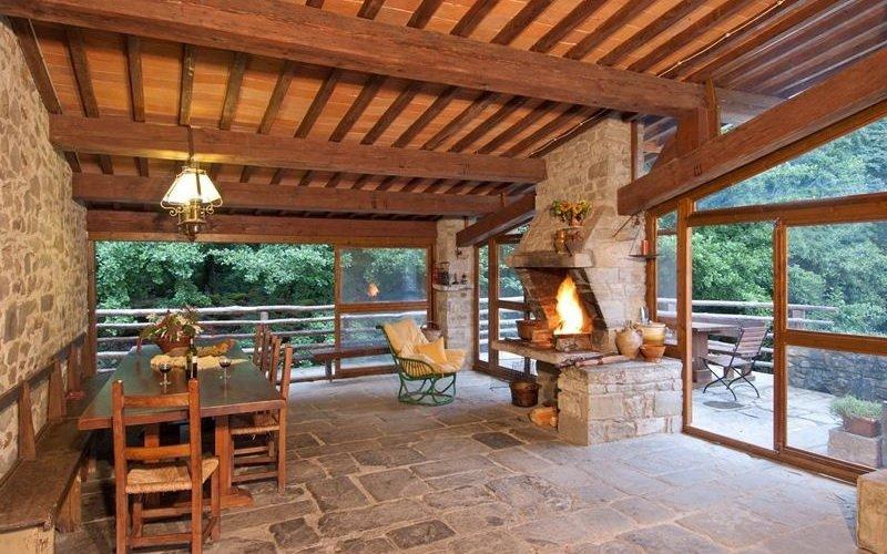 Летняя кухня-веранда на фото