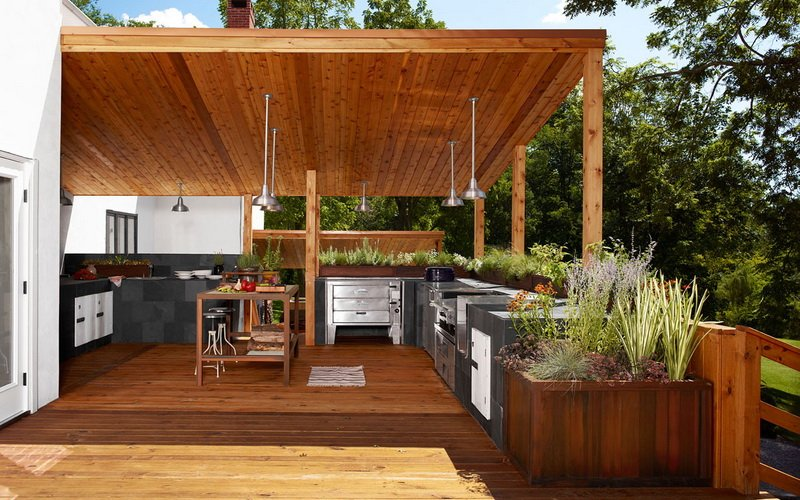 Открытая кухня на дачном участке (фото)