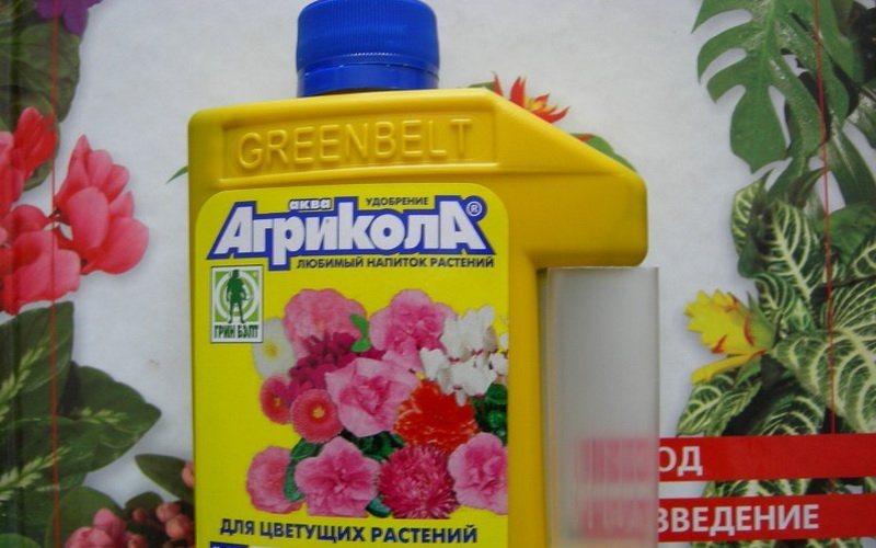 Минерально-органическое удобрение для подкормки роз «Агрикола-Аква»