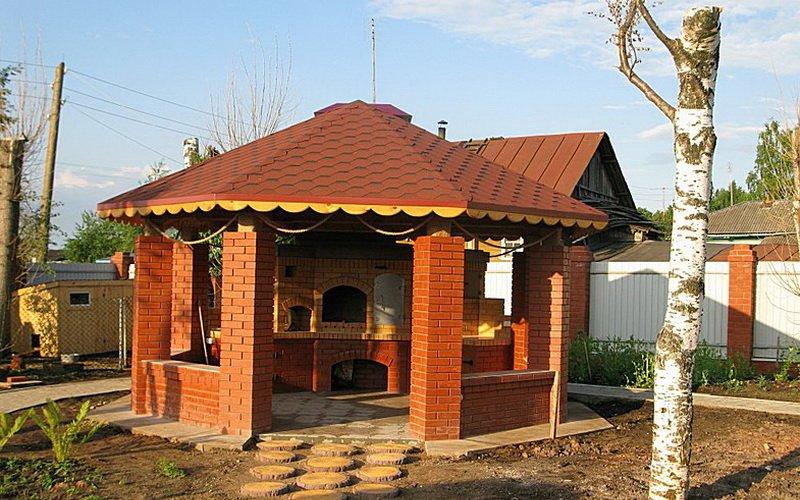 Строительство закрытой летней кухни на даче