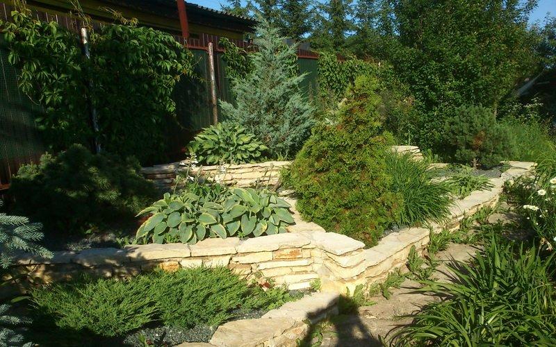 «Лесной овраг» или «ложбину» можно построить лишь при наличии естественного углубления почвы.