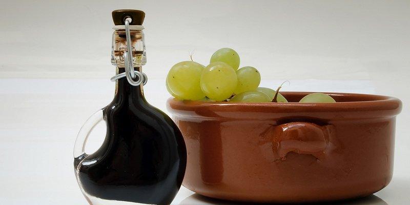 Бекмес и уксус из винограда фото