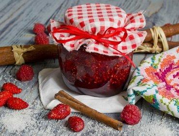 Ягоды и фрукты, протёртые с сахаром: рецепты на зиму