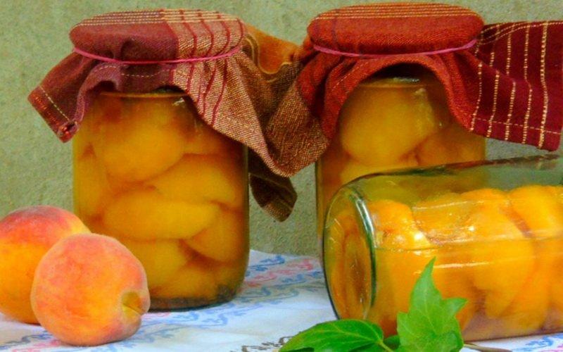 Заготовки из фруктов в собственном соку фото