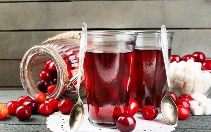 Компоты из фруктов и ягод на зиму: простые рецепты