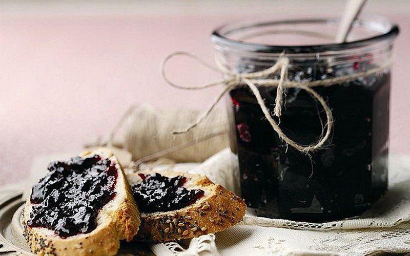 Как сварить варенье из домашних ягод