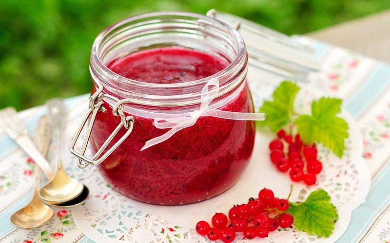 Как сварить варенье из домашних ягод фото