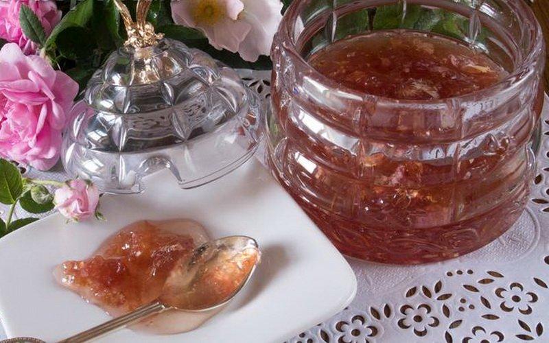 Как сварить варенье из лепестков роз и шиповника: рецепты с фото