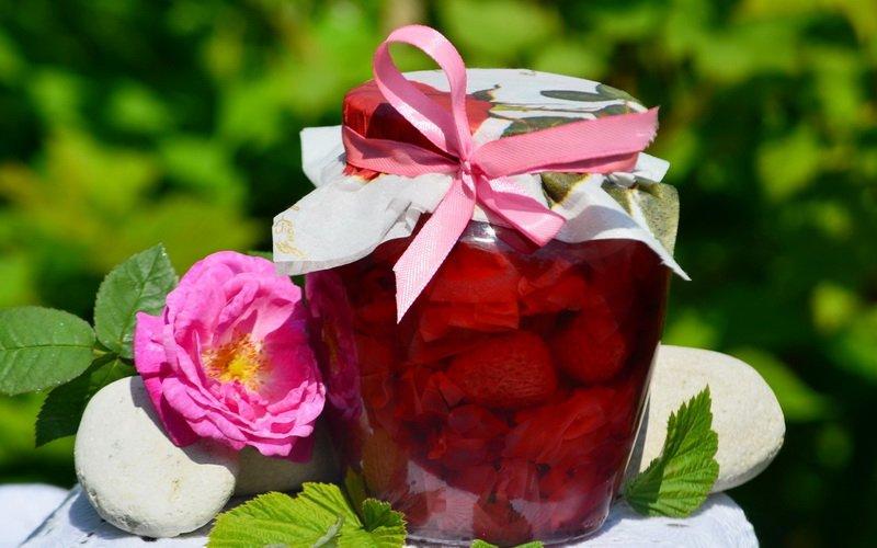 Как сварить варенье из лепестков роз и шиповника: рецепты с фото фото