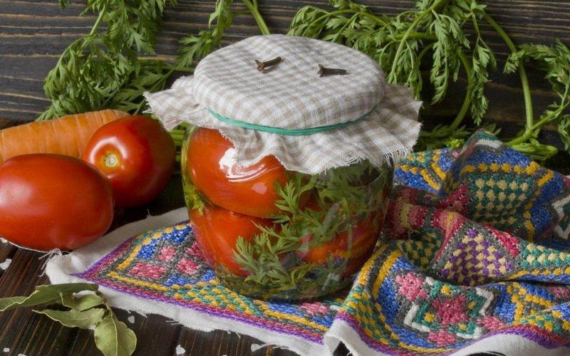 Как вкусно мариновать томаты на зиму