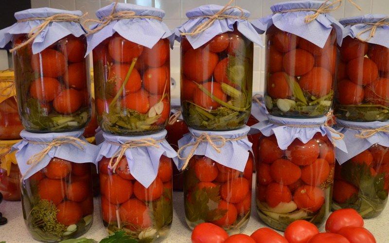 Помидоры с красной смородиной на зиму рецепты маринования с фото и видео