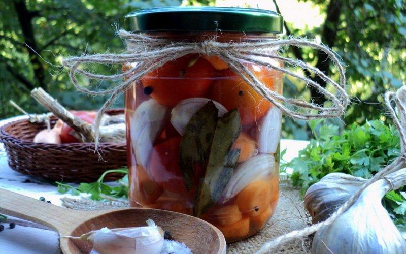 Как приготовить вкусные маринованные помидоры фото