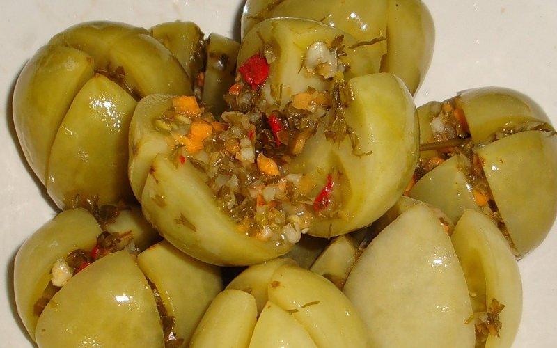 Зеленые помидоры, маринованные на зиму: рецепты с фото
