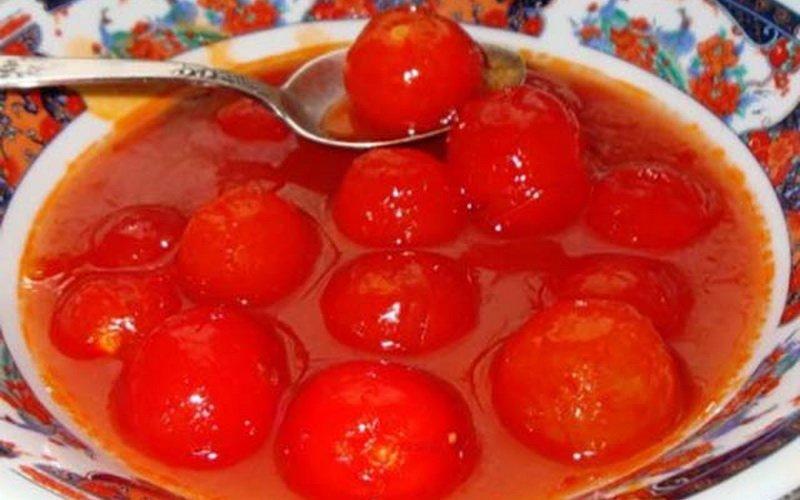 Малосольные помидоры в собственном соку.