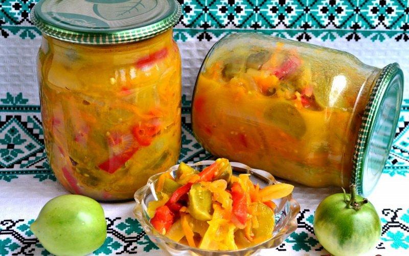 Рецепты вкусных домашних салатов из консервированных красных и зеленых помидоров фото