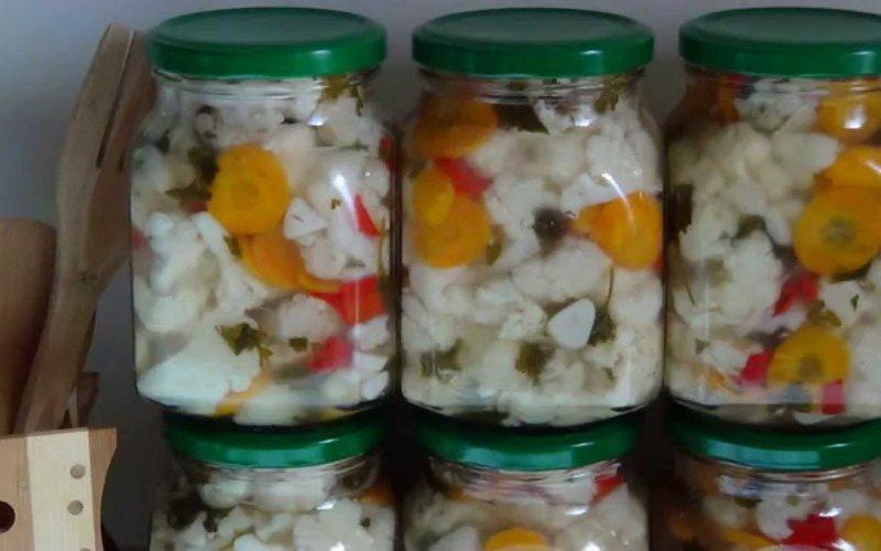 Заготовки на зиму: как сделать консервированные салаты (с видео)