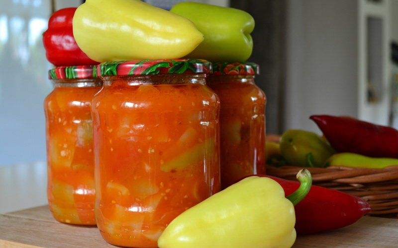Перец в томатном маринаде.
