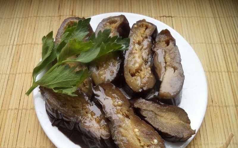 Домашние рецепты соленых баклажанов на зиму фото
