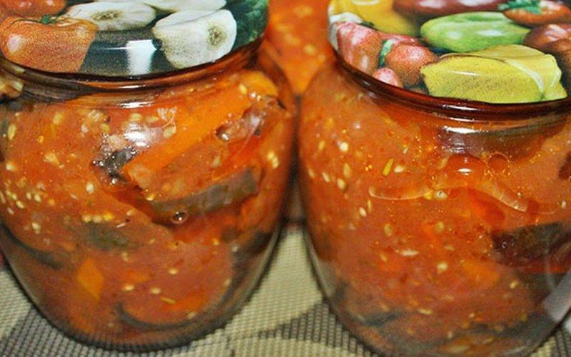 Жареные баклажаны в томатной заливке.