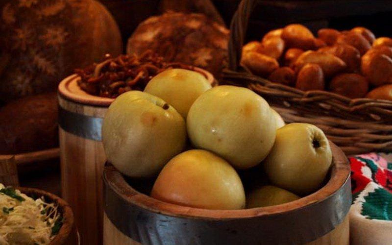 Рецепты яблок, моченых на зиму в домашних условиях фото