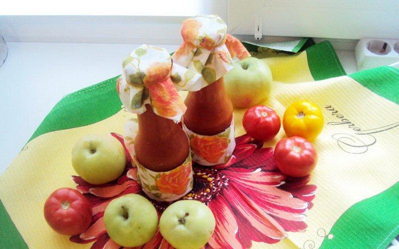 Кетчуп из болгарского перца с яблоками.