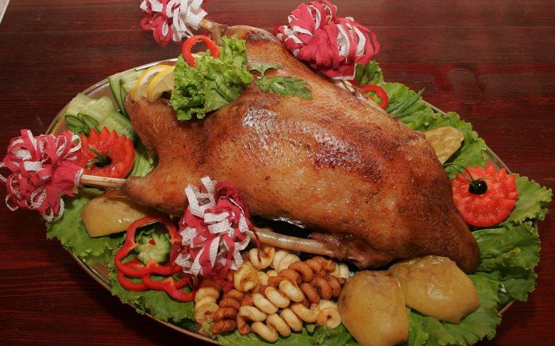 Приготовление блюд из птицы: жареные гусь, утка и курица