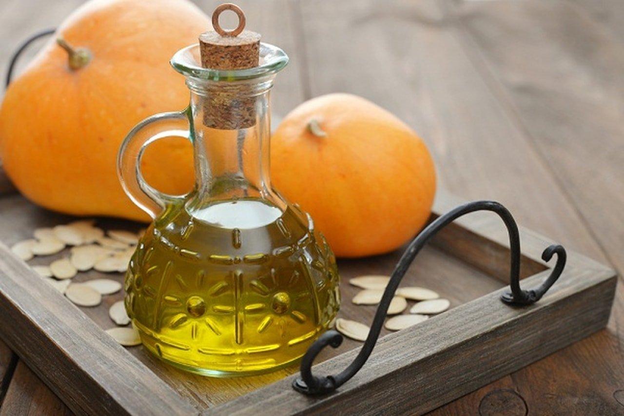 Как принимать тыквенное масло, польза и вред продукта