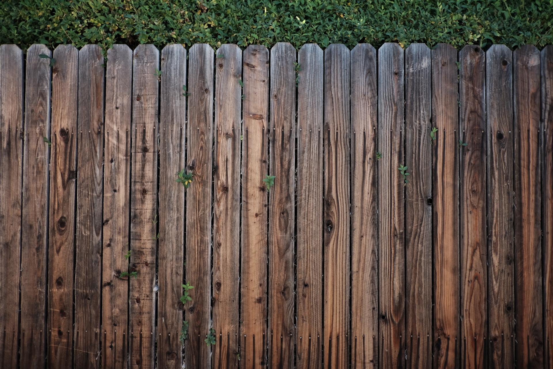 Деревянное крыльцо для дачи с фото