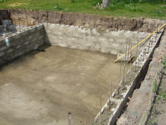 Как сделать блочный бетонный бассейн
