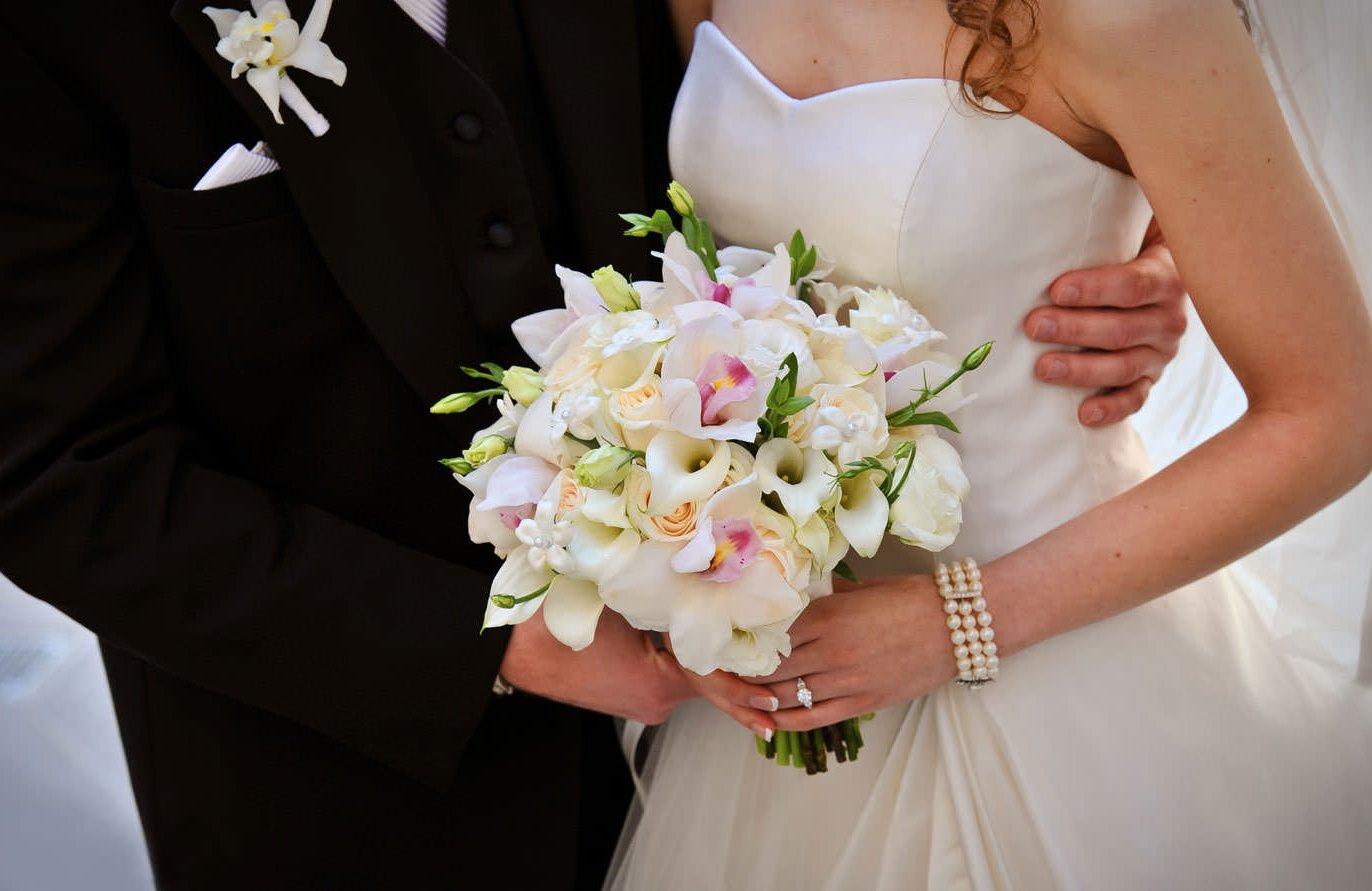 Фотографии невесты букеты