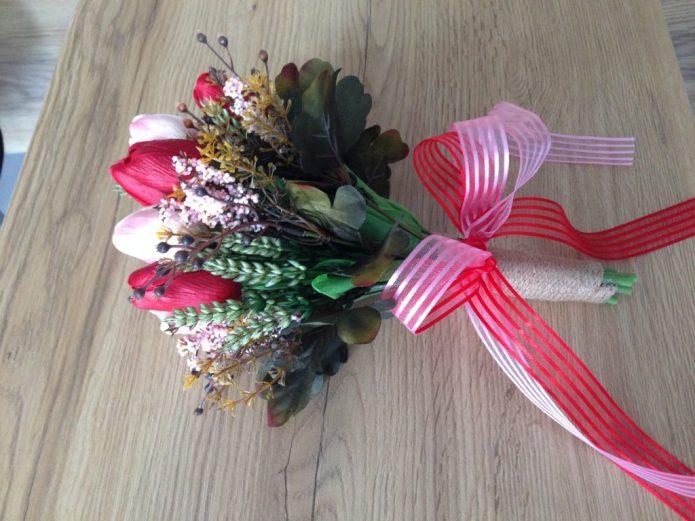 Букет цветов на линейку