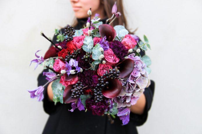 Букет из необычных цветов