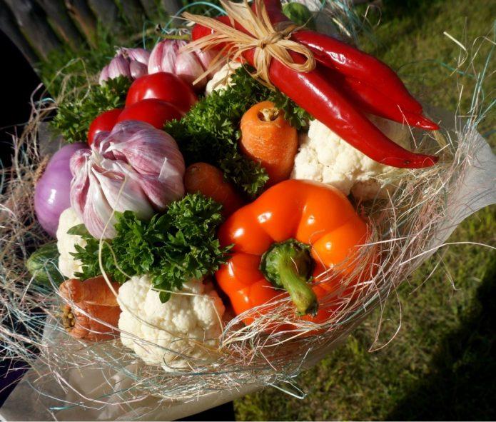 Композиция с овощами и острым перцем