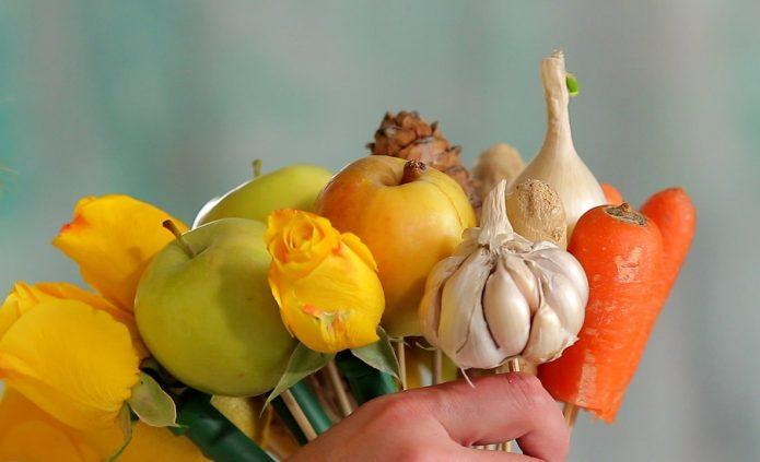 Сбор букета из овощей