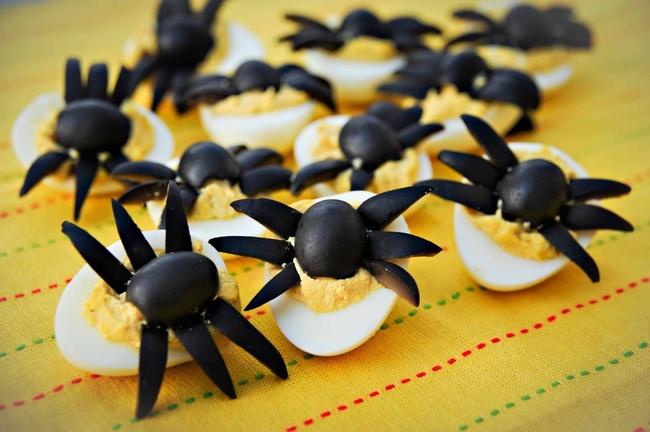 Закуска из яиц «Паучки»