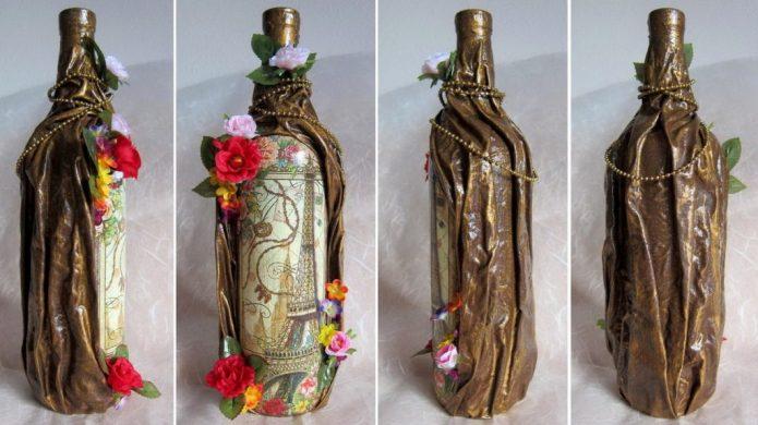 Декупаж бутылок старыми колготками