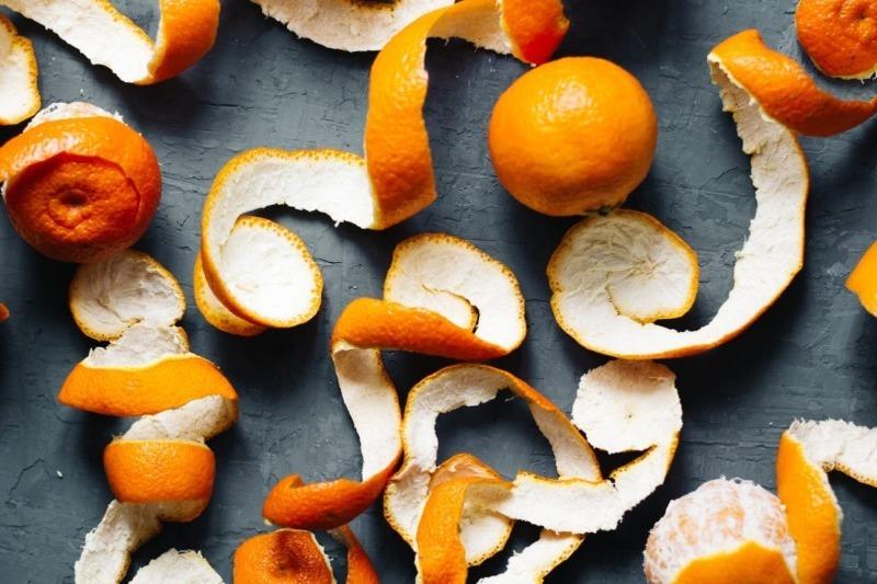 Почему не стоит выбрасывать мандариновые корки: 8 идей их применения